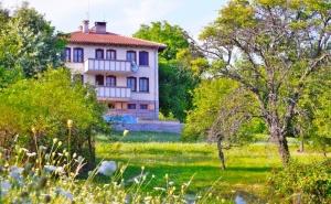 Наем на самостоятелна къща за 8 или 14 човека за една нощувка в комплекс Бърдени, с. Бърдени, край Трявна