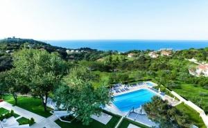Края на Лятото Край Платамон, Гърция! Нощувка на човек на База All Inclusive + Басейн и Трансфер до Плажа от Olympus Thea Hotel****