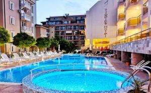 Август в <em>Свети Влас</em> на 100М. от Плажа! Нощувка със Закуска на човек + Басейн в Хотел Тропикс