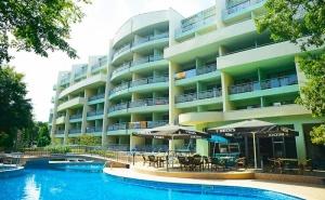 Нощувка на човек на база All Inclusive light + басейн в Хотел Перуника***, Златни пясъци на 150м от плажа