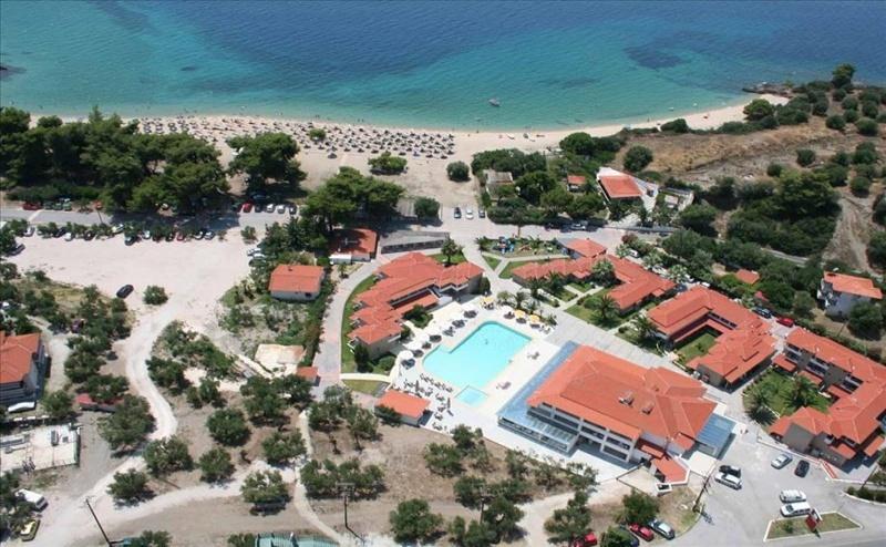 5 дни за двама със закуска и вечеря от 28.09 в Lagomandra Beach & Suites