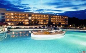 Спа Почивка през Седмицата за Двама, Полупансион Цена на Ден с Топъл Минерален Басейн в  Спа Хотел Аугуста, Хисаря
