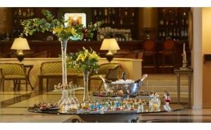 Луксозна Нова Година в <em>Солун</em> - Grand Hotel Palace 5*! Две или Три Нощувки на човек с Гала Вечеря, Закуски, Закрит Отопляем Басейн, Сауна, Фитнес, Паркинг и Транспорт до Центъра на  ...