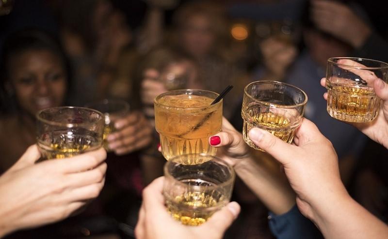 8-Ми Декември в с. Иново в Сърбия! 1 Нощувка на човек със Закуска и Гала Вечеря с Неограничена Консумация на Алкохол от Етно Конак Анджела, Сърбия