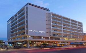 Нова Година в Хотел Airotel Galaxy 4 * - <em>Кавала</em> за Три Нощувки, Закуски, Вечери, Празнична Вечеря с Новогодишна Програма, Ползване на Фитнес и Хамам