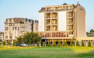 Студентски Празник в <em>Пловдив</em>! Нощувка на човек със Закуска в Хотел Плаза