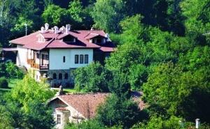 2 Нощувки на човек със Закуски + Вечери по Избор в Хотел Бохеми и Стаи за Гости Болярска Къща, <em>Арбанаси</em>
