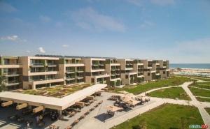 Топ Хотел в Обзор за Лято 2020, Ultra All Inclusive След 13.09 с Чадър и Шезлонг на Плажа от Рейна Дел Мар