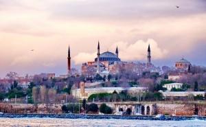 Екскурзия до Истанбул! Транспорт + 2 Нощувки на човек със Закуски + Нощна Обиколка на Истанбул. Тръгване от <em>Варна</em> с Караджъ Турс