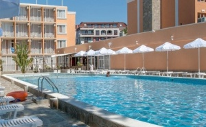 Специална Оферта за Разгара на Лятото - Хотел Рива 3*, <em>Слънчев бряг</em>! All Inclusive Пакет за Пет Нощувки на човек / 10.07-20.08.2020