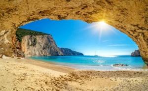 Екскурзия до Цикладските Острови, Гърция: Евия, Тинос с Миконос -Делос- Сирос! 7 Нощувки на човек със Закуски, Вечери + Транспорт от Та Трипс Ту Гоу