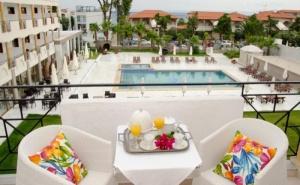 Почивка в Гърция в Края на Юни и Началото  на Юли - Хотел Hanioti Melathron, Касандра, Халкидики - със Закуска и Вечеря