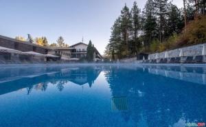 Уикенд във Велинград, Цена за Двама на Ден със Заксука и Вътрешен и Външен Минерален Басейн от Хотел Велина