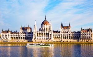 Екскурзия за Свети Валентин до <em>Будапеща</em> и Нови Сад! Транспорт + 3 Нощувки на човек със Закуски от Еко Тур