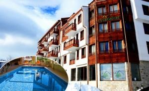 Нощувка на човек със Закуска + Отопляем Басей с Джакузи и Релакс Зона в Хотел Евъргрийн, <em>Банско</em>