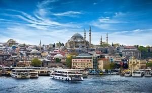 Екскурзия за Свети Валентин до Истанбул! Транспорт, 2 нощувки на човек със закуски + възможност за посещение на WATERGARDEN ISTANBUL от Еко Тур
