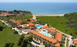 През Май на Море в Хотел Village Mare, Ситония - Халкидики за Три Нощувки на Ол Инклузив и Частен Пясъчен Плаж - 22.05 - 25.05.2020