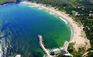 Море 2020Г. в Китен на Метри от Плажа. Нощувка на човек със Закуска, Обяд и Вечеря в Почивна База Средец