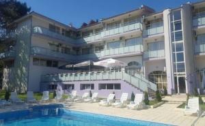 Море 2020 в <em>Царево</em>! Нощувка на човек  + Басейн, Шезлонг и Чадър в Хотел Марая - на 150М. от Плажа