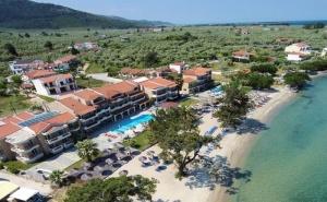 5 Дни за Двама със Закуска и Вечеря през Септември в Rachoni Beach Hotel