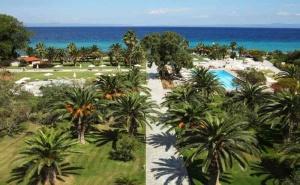 5 Дни за Двама със Закуска през Септември в Kassandra Palace Hotel & Spa