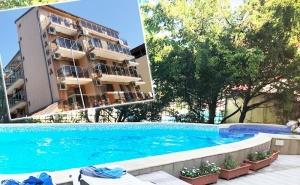 Нощувка за 2-Ма, 3-Ма или 4-Ма + Басейн в Семеен Хотел Елена, на 150М. от Плажа в Приморско