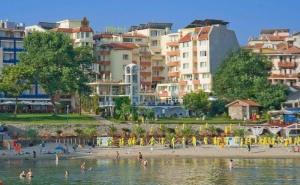 Почивка в Созопол през Юли в Хотел Вила Лист - Закуска, Басейн, Шезлонг, Чадър, Фитнес