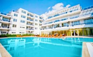 Лято 2020 в <em>Поморие</em> на 150М. от Морето ! Нощувка на човек на База All Inclusive + Басейн в Хотел Инкогнито