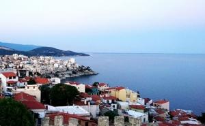 Лятна Почивка на Остров <em>Тасос</em>, Гърция. Транспорт + 5 Нощувки със Закуски в Хотел Lena от Еко Тур