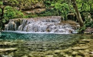 Еднодневна Екскурзия до Ловеч, Крушунските Водопади и Деветашката Пещера от Туристическа Агенция Еко Тур