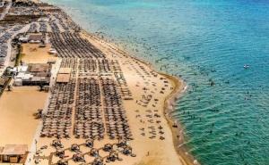 Еднодневен Плаж в Гърция до Сахара Ризорт Бийч Бар в Неа Ираклия, Халкидики