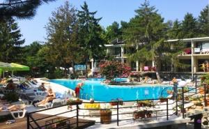 2+ Нощувки на База All Inclusive за Един Възрастен и 1 Дете до 12Г. + Басейн в Парк Хотел Бриз***, Златни Пясъци