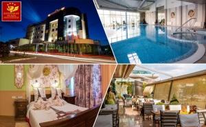 Нощувка на човек със закуска и барбекю вечеря + топъл вътрешен басейн и плаж на открито от хотел Дипломат Плаза****, Луковит