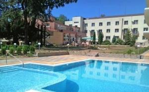 2 или 4 нощувки на човек със закуски, обеди и вечери + 2 басейна с минерална вода от хотел Дружба 1, Банкя