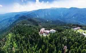 Лято в Паничище! Нощувка на човек със Закуска и Вечеря + Релакс Зона в Хотел Планински Езера