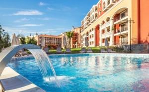 Нощувка на човек на База All Inclusive +  Чадър и Шезлонг на Плажа + Басейн в Хотел Феста Виа Понтика****, <em>Поморие</em>