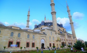 За Варна и Бургас! Екскурзия до Одрин, Турция! Транспорт,  Богата Туристическа и Шопинг Програма от  Караджъ Турс