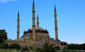 За Гоце Делчев: Екскурзия до Одрин, Турция! Транспорт, Нощувка, Закуска, Богата Туристическа и Шопинг Програма от  Караджъ Турс