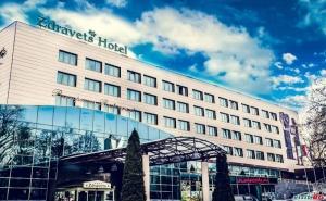Есен във Велинград, Цена на човек през Уикенд  с Включени Закуска и Вечеря в Хотел Здравец