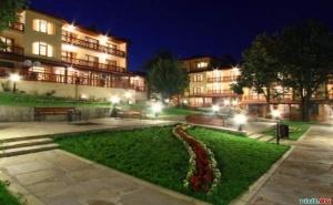 Нощувка със Закуска и Вечеря за Двама  през Уикенда в Хотел Армира, Старозагорски Минерални Бани