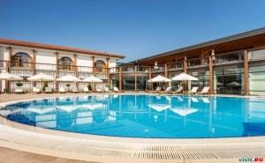 Релакс в Спа Хотел Каменград, Панагюрище през Уикенда Полупансион за Двама