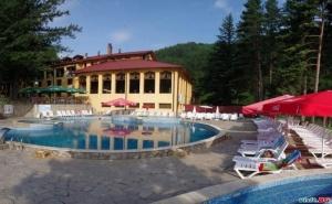 Незабравима Новогодишна Вечер в Хотел Балкан, с.чифлик, 3 Дни с Празнична Вечеря за Двама