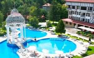 СПА почивка в Девин! Нощувка на човек със закуска + басейн с минерална вода от СПА хотел Орфей 5*
