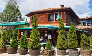 Нощувкa на човек със Закуска и Вечеря в Хотел Чучура, гр. <em>Копривщица</em>