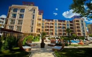 Нощувка на човек в Хотел Хармони Суитс 2, 3, Джънгъл + Басейн и Релакс Зона в Хармони Суитс Монте Карло, Слънчев Бряг