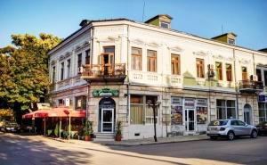 Нощувка със закуска за 10 човека от хотелски комплекс Извора, гр. Русе