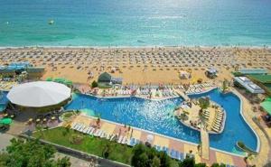 Семейна All Inclusive Почивка с Безплатни Чадър и Шезлонг на Плажа или Басейна в Хотел Морско Око Гардън 4* - <em>Златни Пясъци</em>!  /12.07.2021 г.-25.08.2021 г./