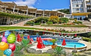 Великден в Константин и Елена. 2 или 3 Нощувки на човек на База All Inclusive + Басейн на Супер Цена от Хотел Нептун. Дете до 12 г. Безплатно!!!