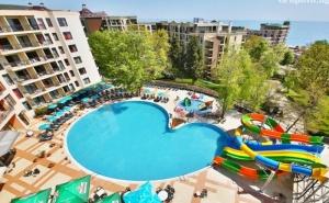 Нощувка на човек в двойна стая без балкон на база All Inclusive + 3 басейна и 2 аквапарка от Престиж хотел и аквапарк, Златни пясъци
