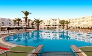 Почивка в Тунис. Самолетен билет от София + 7 нощувки на база All Inclusive на човек в хотел  El Mouradi Skanes 4*, Хамамет